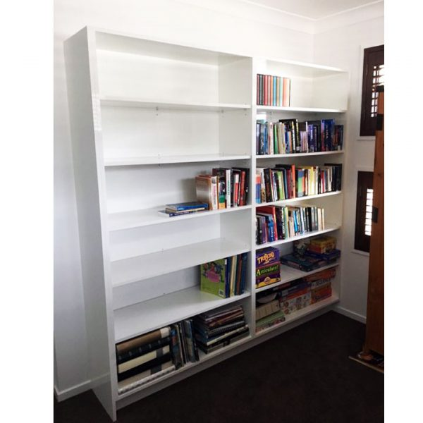 Bookshelves custom made by Gecko Kitchens Designers and Builders of Kitchens, Bathrooms and Laundries Brisbane