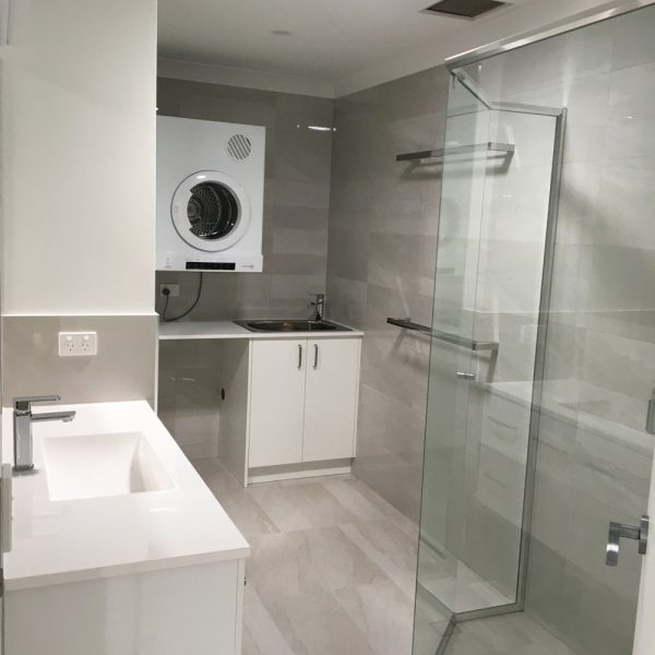 Bathroom with Laundry designed and built by Gecko Kitchens, designers and builders of Kitchens, Bathrooms and Laundries in Brisbane