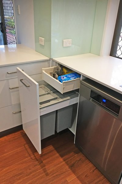 Modern Kitchen - Thermolaminated  | Gecko Kitchens, Brisbane