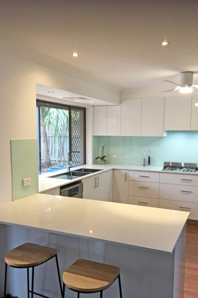 Thermolaminated Kitchen in Newport installed by Gecko Kitchens designer and builders of quality kitchens Brisbane.