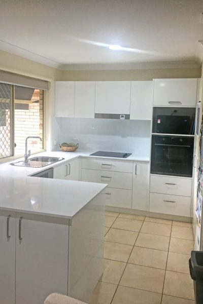 New Kitchen Installation at Everton Park built by Gecko Kitchens, Qld licenced builder for kitchens, bathrooms, laundries and other interior cabinetry.